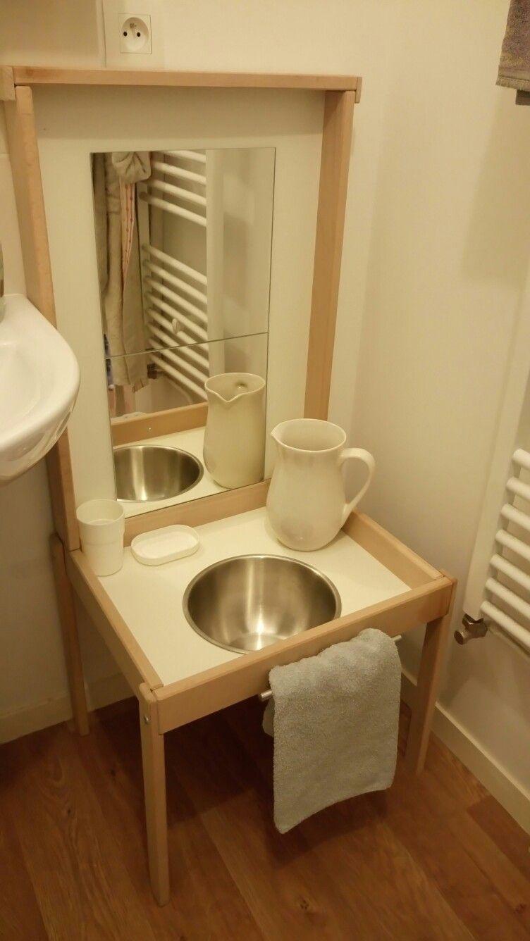 meuble salle de bain pour enfants inspiration montessori motricit libre pinterest. Black Bedroom Furniture Sets. Home Design Ideas
