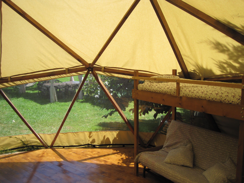 Domo de 40 m2 con estructura de madera y cubierta textil ...