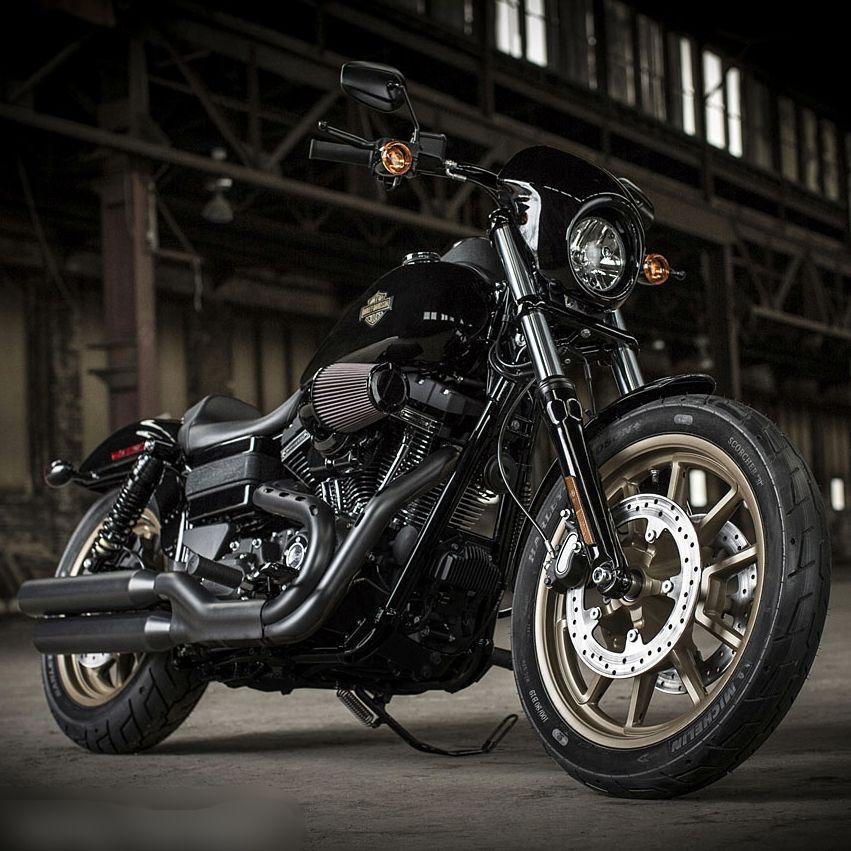 les 25 meilleures id es de la cat gorie motos sur pinterest motos harley davidson casques. Black Bedroom Furniture Sets. Home Design Ideas