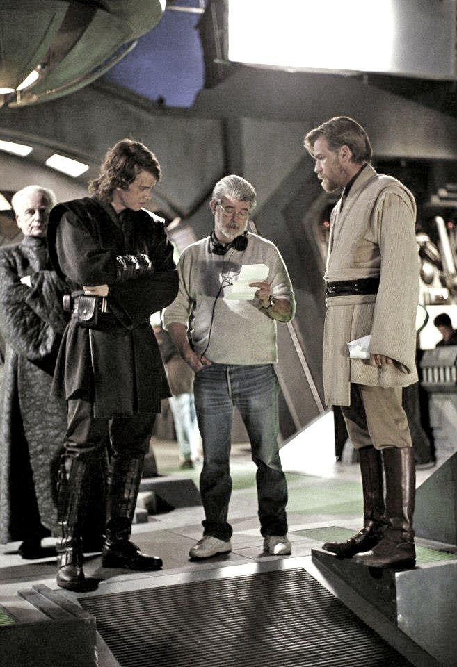 George Lucas Goes Over The Revenge Of The Sith Script With Hayden Christensen And Ewan Mcgregor While Ian Mcdiarmid Waits Impatiently In The B Star Wars Outfits Star Wars Cast Star