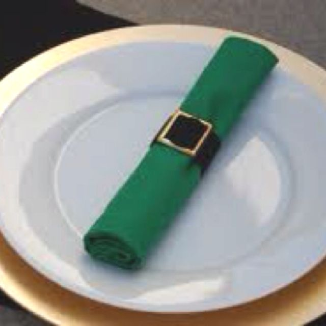Luck of the Irish table setting.   St. Patrick\'s Day {Bliss ...
