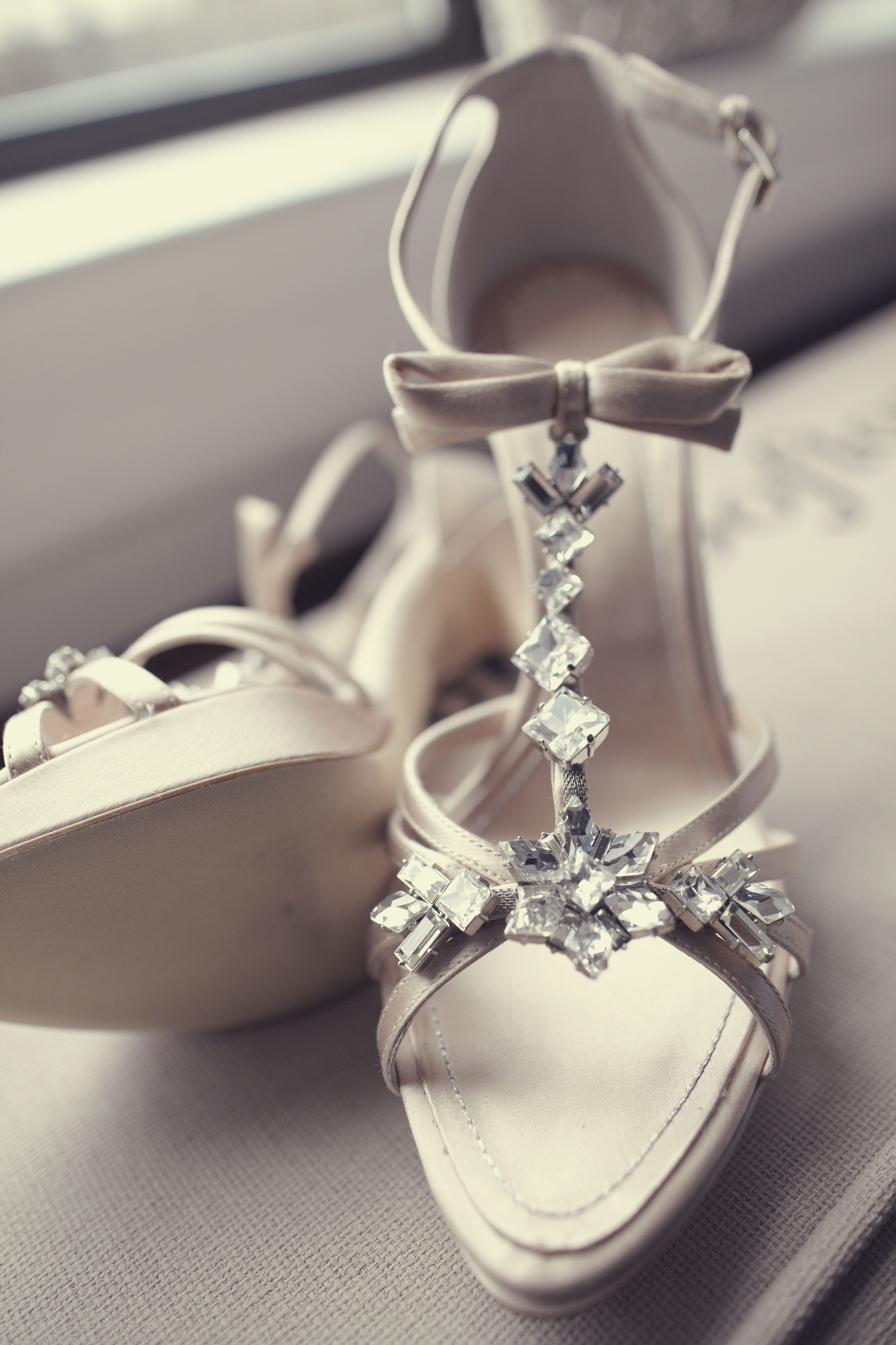 What Are The Best Shoes For A Winter Wedding Photo Carlos Andres Varela Photography