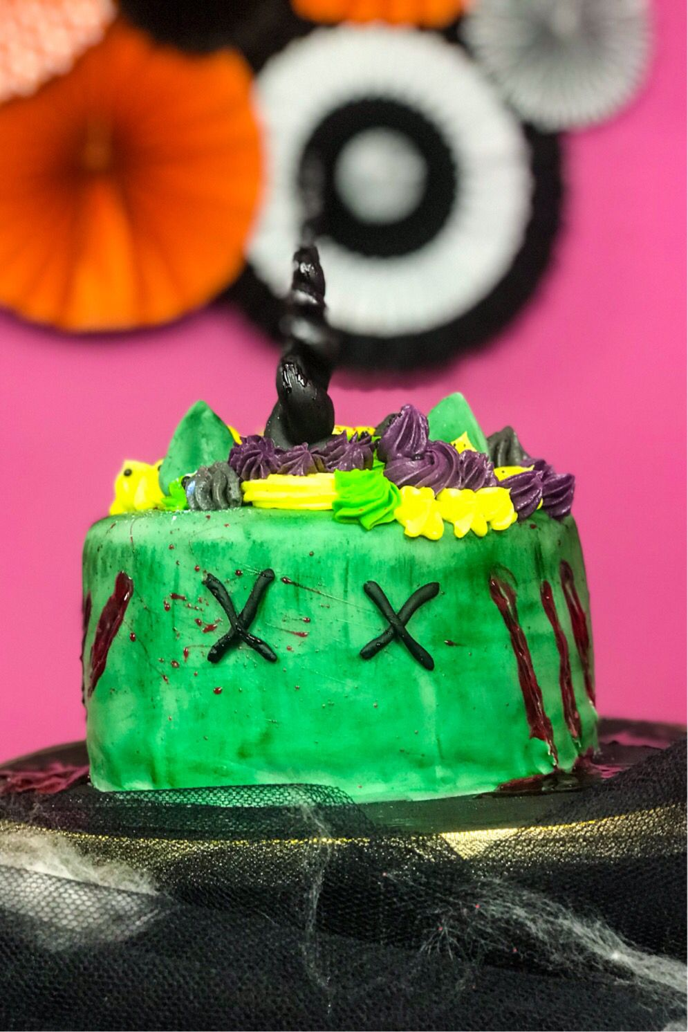 Zombie Einhorn Torte für Halloween Zombie Unicorn Cake