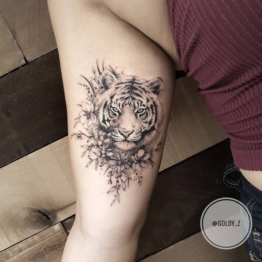 Tiger Tattoo On Hand Simple