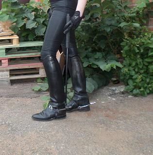 Black Leatherpants And Used Riding Boots From K 246 Nigs With