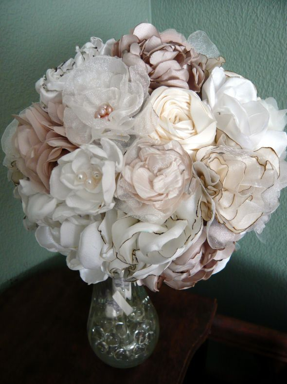 Fabric Flower Bouquet she provides a list of flower tutorials in
