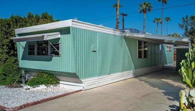 This 1962 Skyline Single Wide Is A Vintage Mobile Home Beauty Remodeling Mobile Homes Mobile Home Living Mobile Home