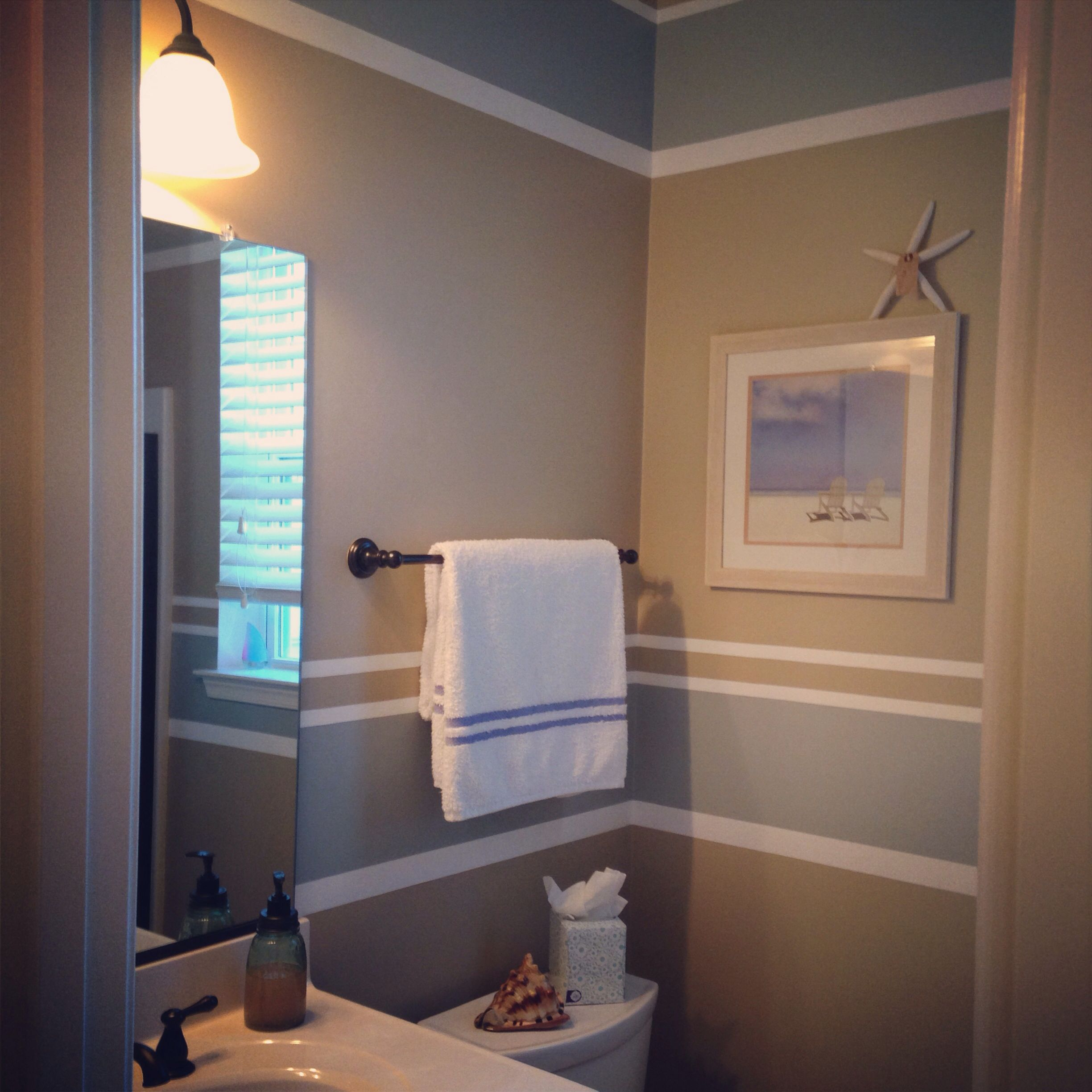Beachy Bathroom   Painting Stripes