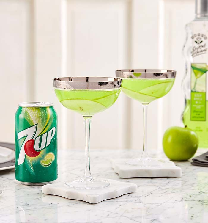 Sour Apple Martini Recipe Apple martini, Sour apple