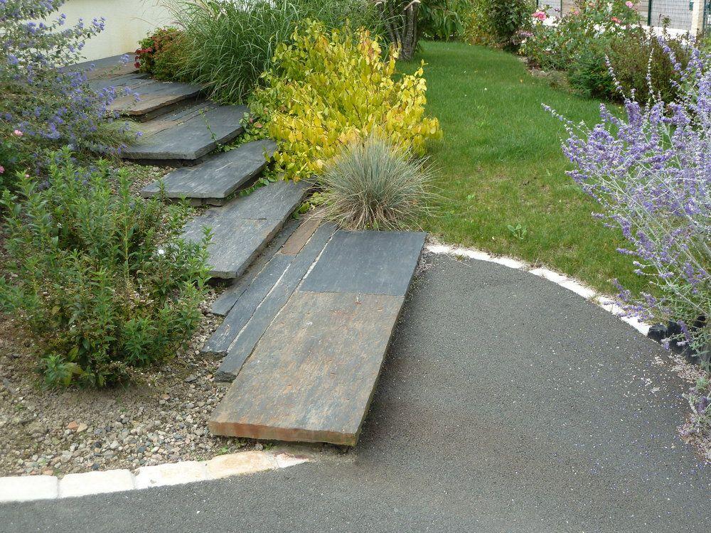 Dalles D Ardoises Marches Jardin Amenagement Jardin En Pente Escalier De Jardin