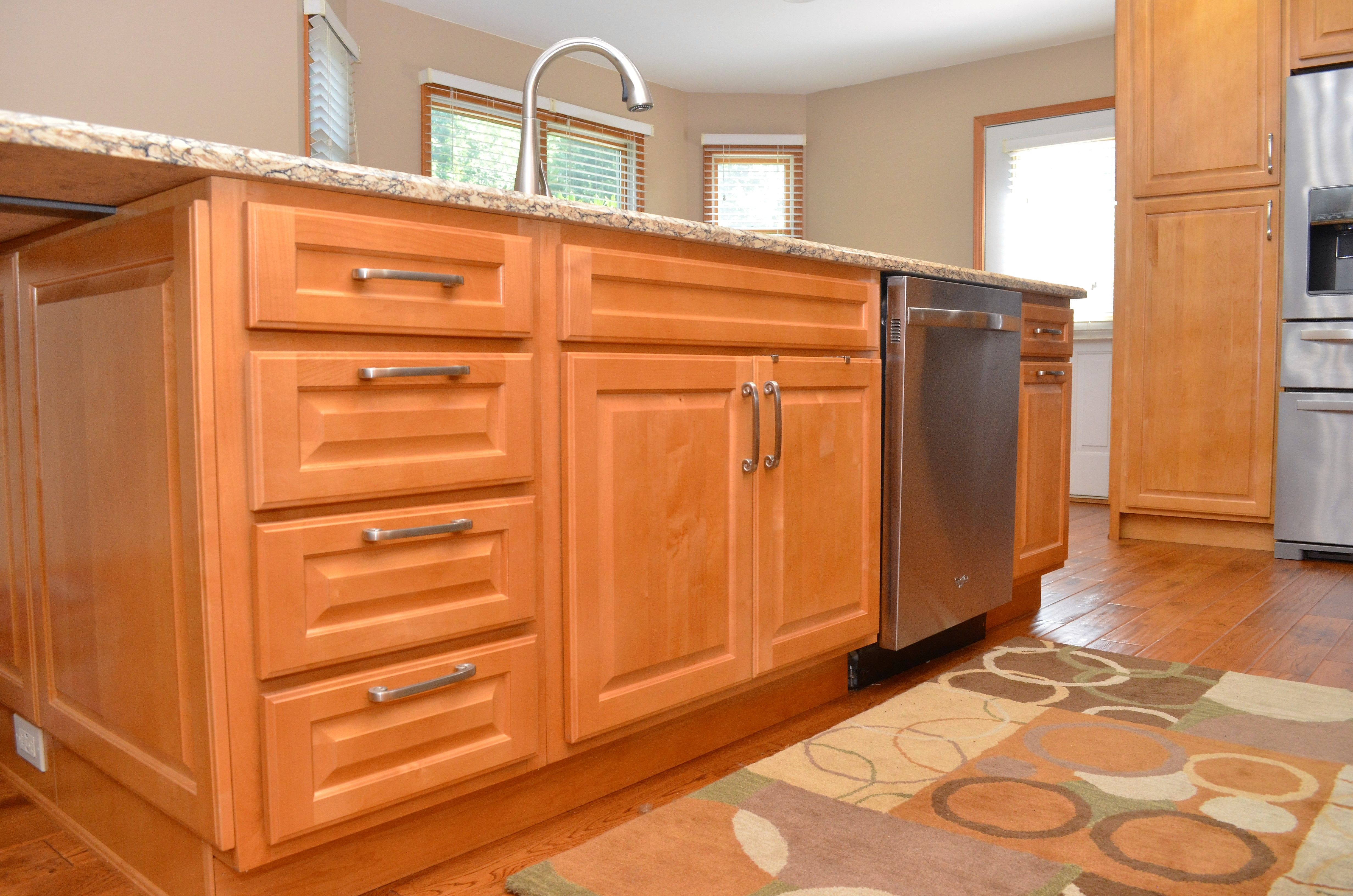 Haas Signature Collection Federal Arch Door Style Maple Honey Arched Doors Cabinet Maple Cabinets