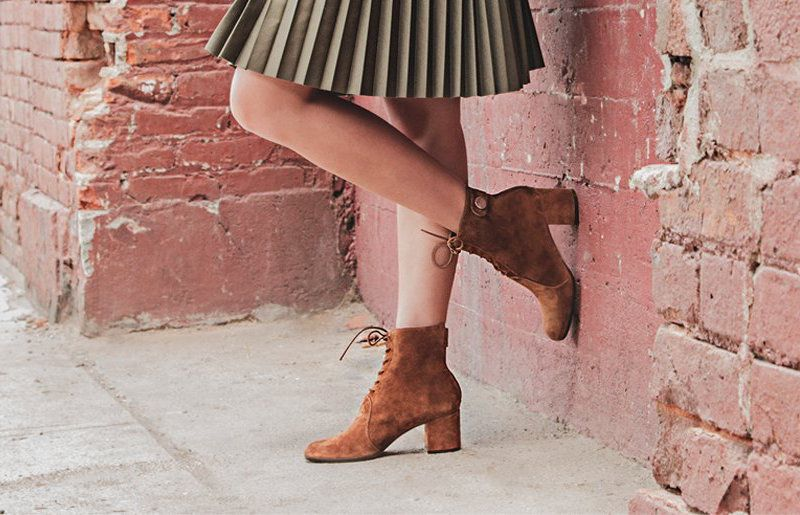 Gianvito Rossi Finlay Suede Lace-Up Block Heel Booties FdH3zDoxH
