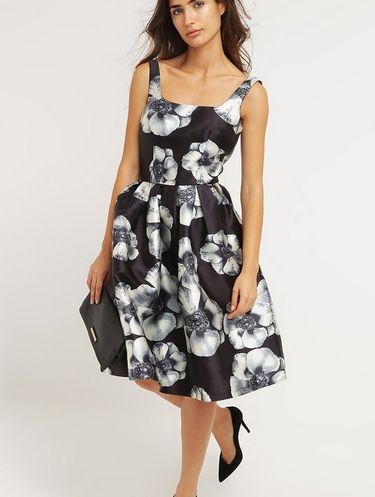 07b532fe20 Chi Chi London ABBEY Czarna sukienka midi w kwiaty elegancka letnia black  multi