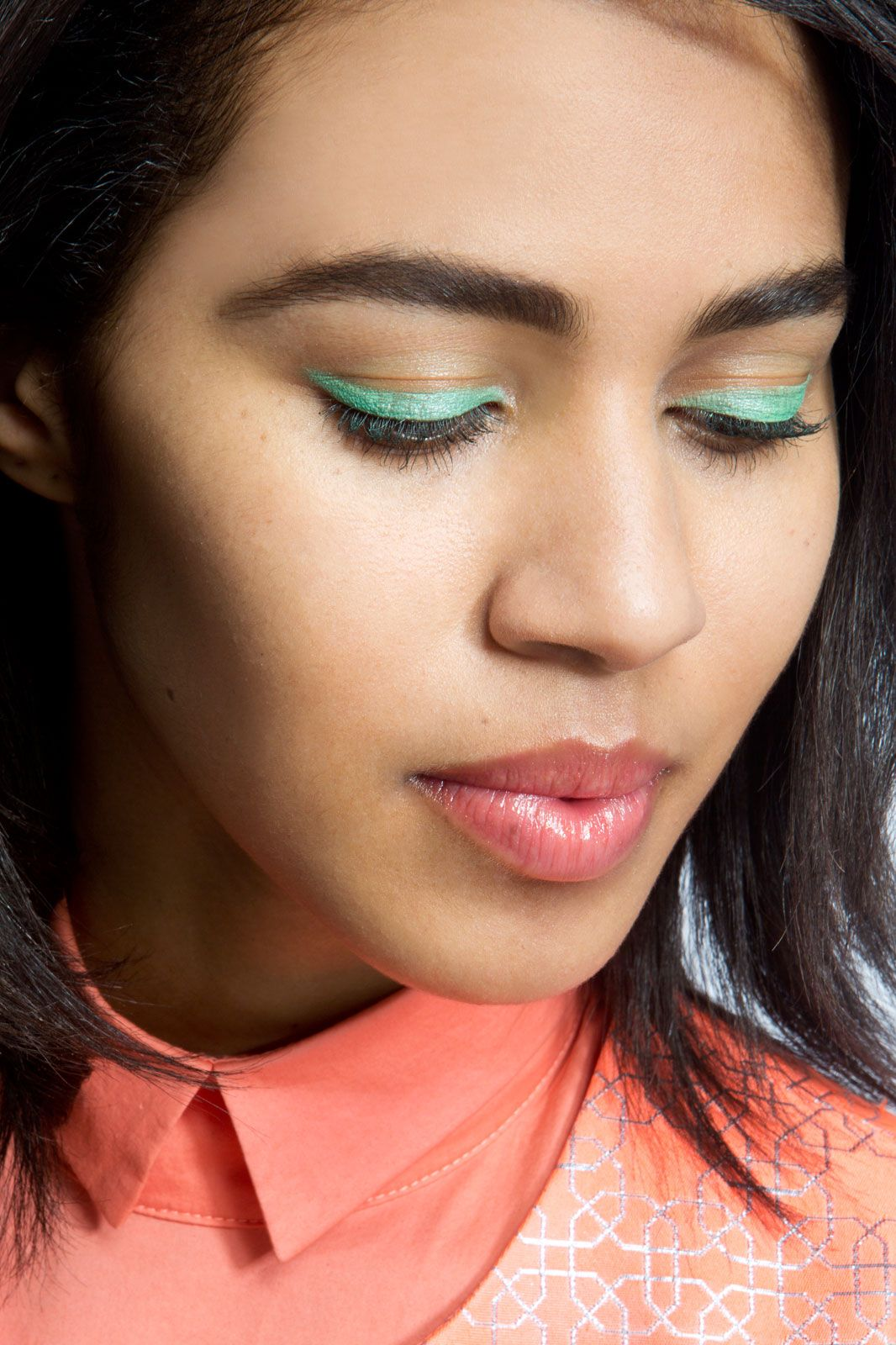 Electric Pressed Pigment Palette Bright makeup, Dramatic