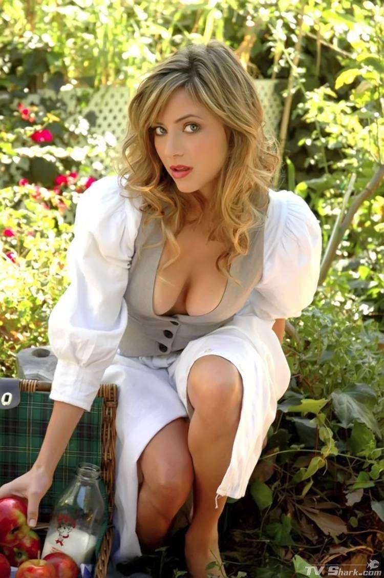 Valerie latina ass