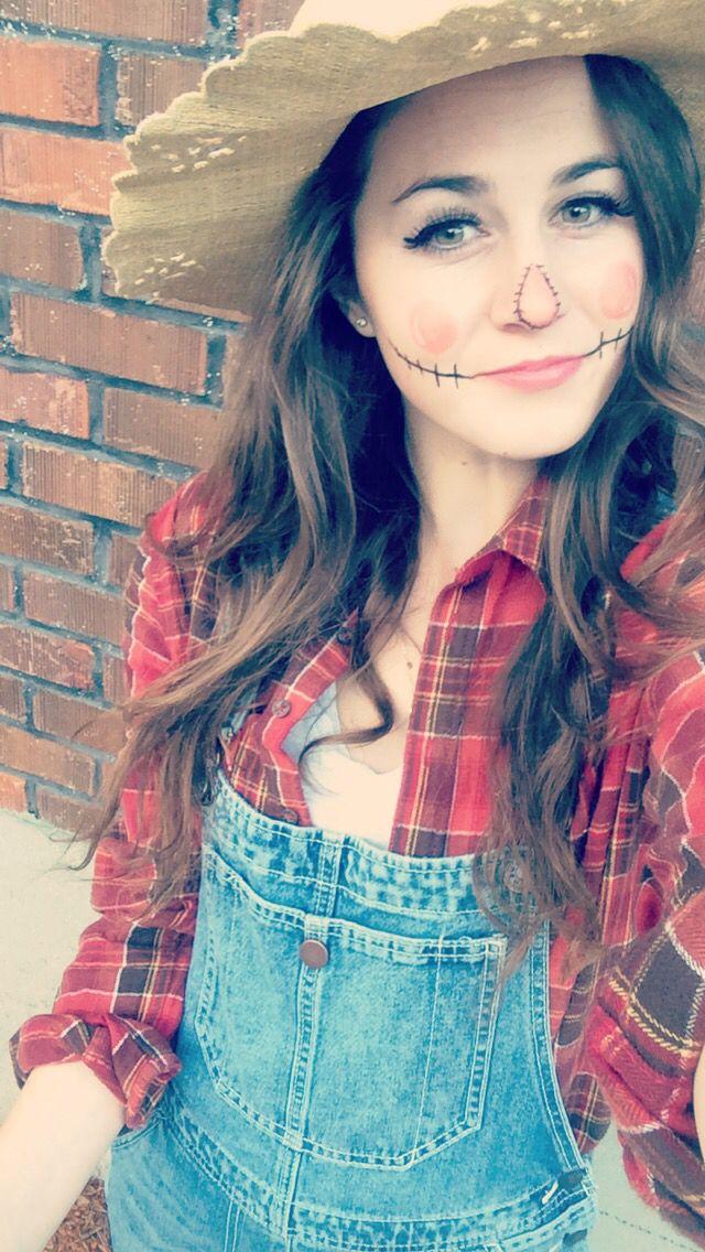 Simple Halloween costume and super cute #scarecrow #halloween - easy makeup halloween ideas