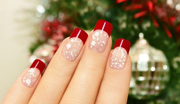 Unhas de natal: São tantos modelos que fica difícil eleger apenas um para decorar. Veja dicas e fotos incríveis de unhas decoradas natalinas.
