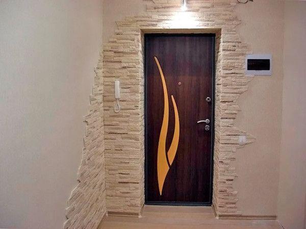 самостоятельная отделка откосов входной двери искусственным
