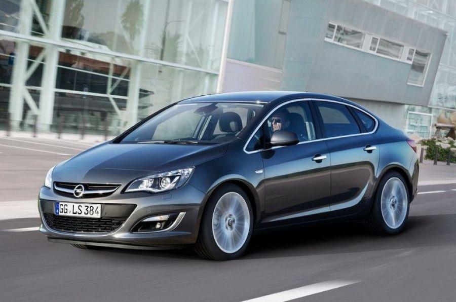 Opel Astra J Sedan Bezuprechnyj Shans Prityagivat Vzglyady Sedan Cars Opel Sedan