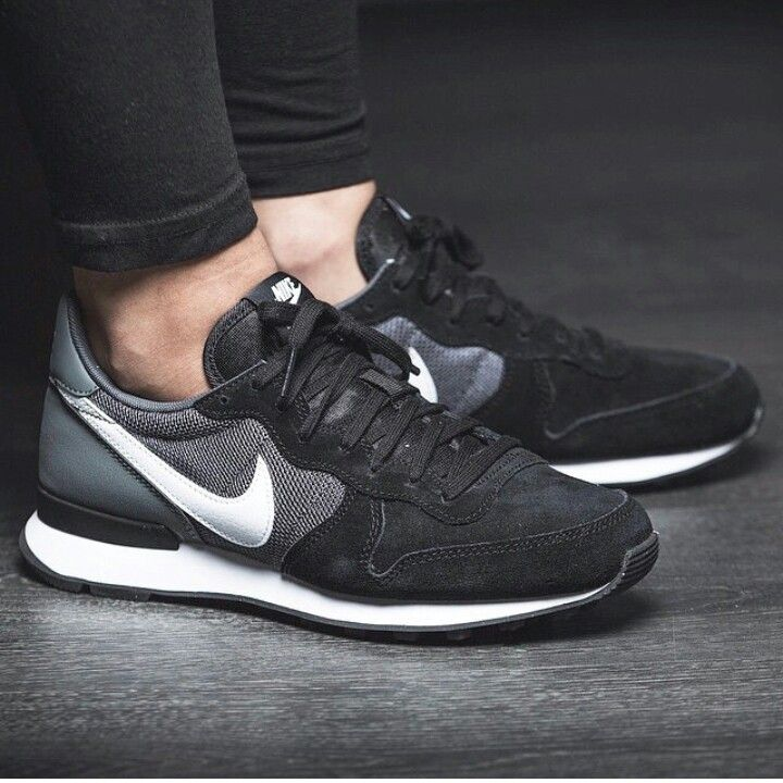 100% authentic 157b0 d73c9 Lazy days Running Shoes Nike, New Nike Shoes, Nike Free Shoes, Nike Flyknit