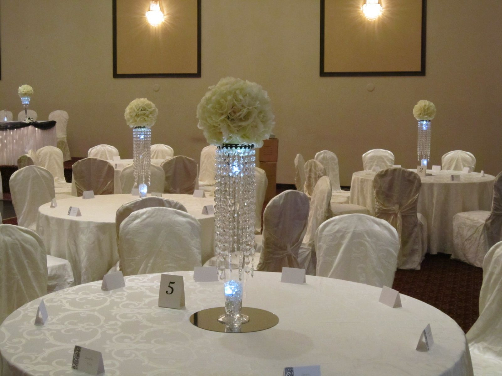 Centerpieces for weddings crystal centerpieces at weddings set wedding decorations crystal weddings centerpieces crystal centerpieces for weddings junglespirit Images