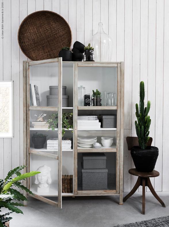 IKEA hack: Måla om Björksnäs vitrinskåp   Ikea hack