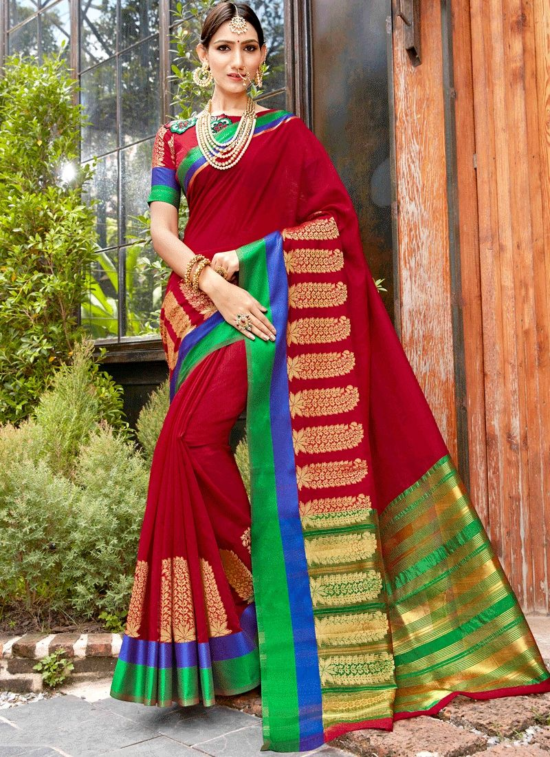 An exclusive online store of designer saree grab this alluring