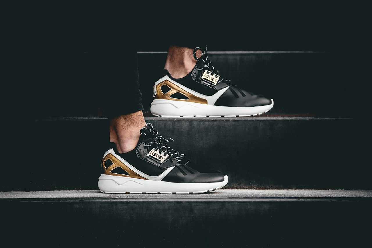 adidas originals tubular runner gold
