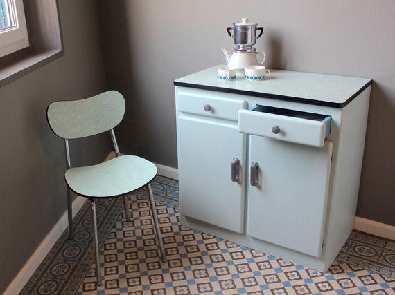 Buffet bas de cuisine en bois et Formica vintage des années 50 ...