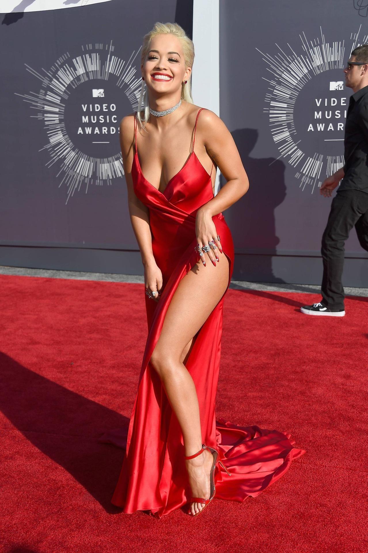 Snapchat Rita Sahatciu Ora nude (15 photos), Sexy, Bikini, Feet, in bikini 2006