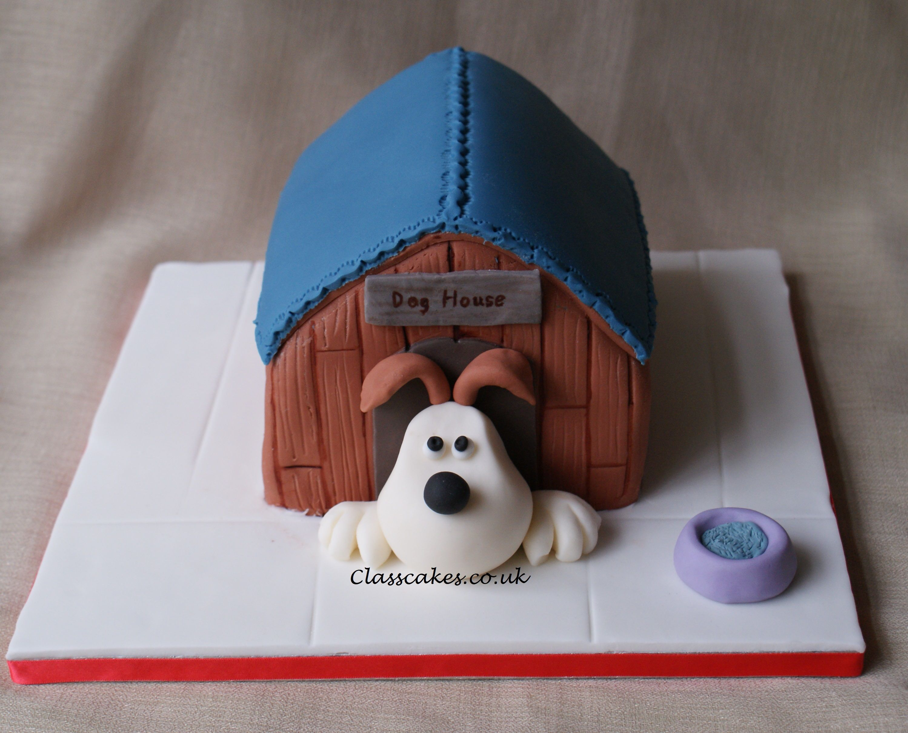 Dog House Made From Graham Crackers And Candy Need To Make A