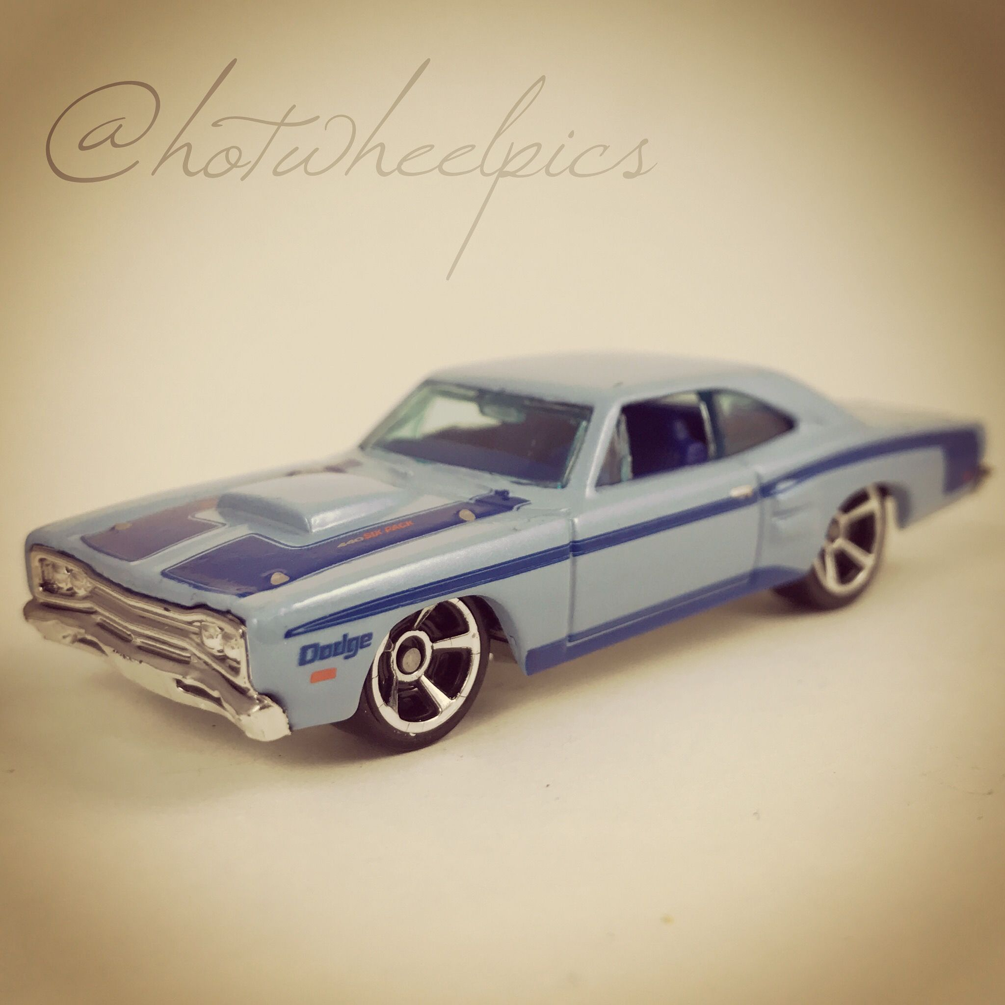 69 Dodge Coronet Super Bee - 2011 Hot Wheels - Toys R Us exclusive ...