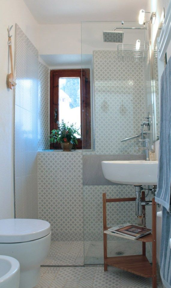 Ristrutturazione di un piccolo bagno bathroom bagno bagno stretto y bagno piccolo for Ristrutturazione bagno piccolo