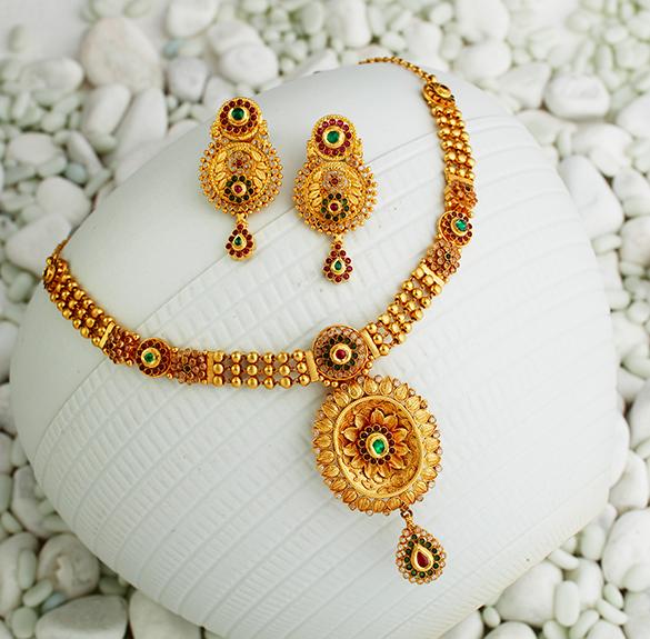 KHAZANA JEWELLERY jwlry Pinterest Gold jewellery Gold and