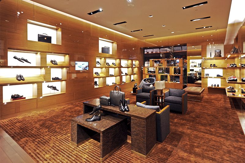 Louis Vuitton Located At The Fashion Valley Mall Located
