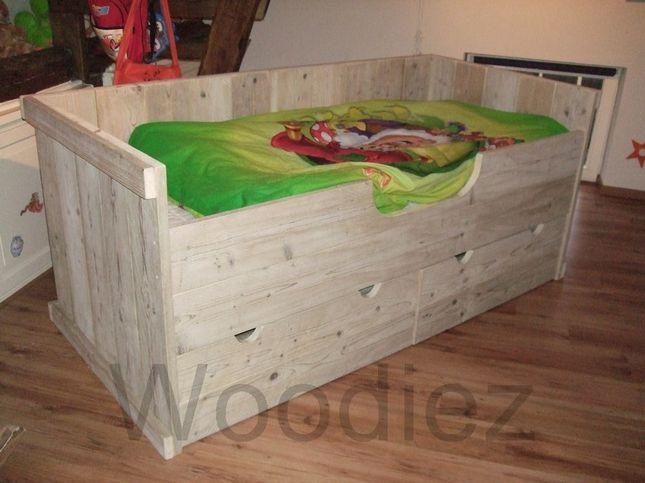 woo z steigerhouten meubelen voor uw splintervrije kinderbedden
