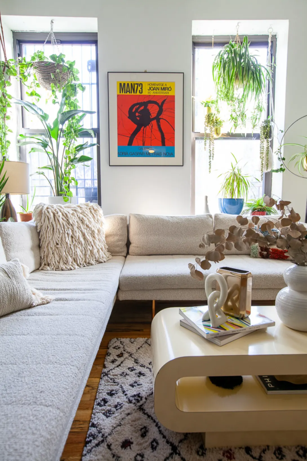 A Fashion Stylist's Brooklyn Abode Is Luxuriously Romantic