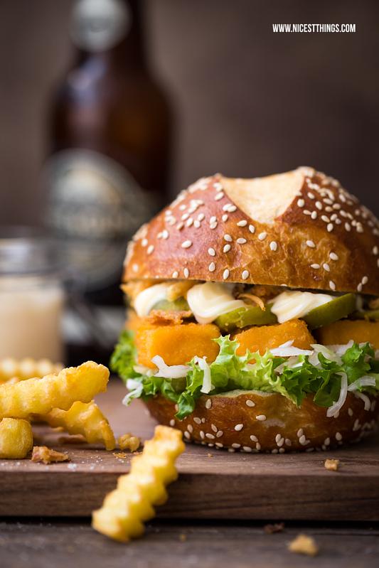 fischst bchen burger rezept fischburger mit wellenschnitt pommes lecker pinterest. Black Bedroom Furniture Sets. Home Design Ideas