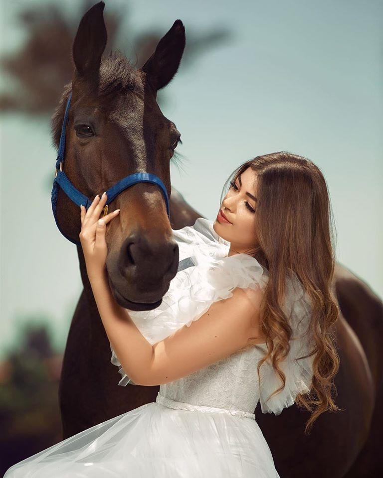 10 صور لـ ليلى زاهر خطفت بهم الأنظار على السوشيال ميديا Horses Animals