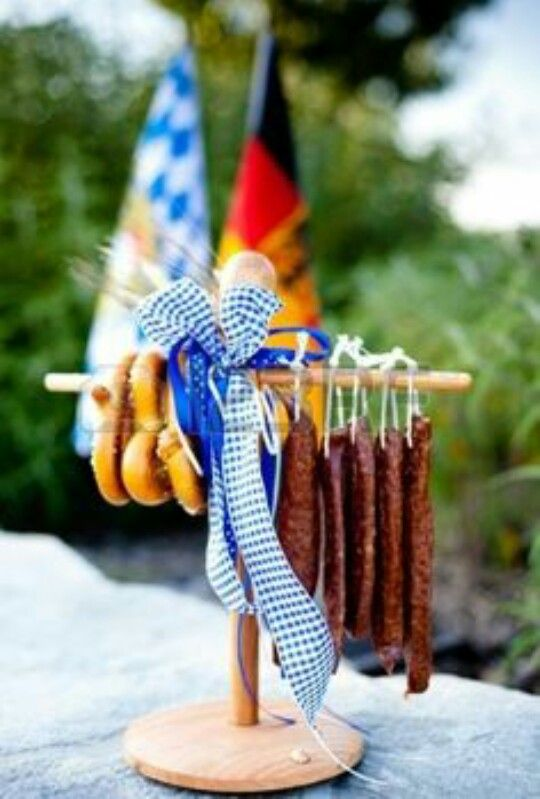 Lanjger Links And Pretzels As Appetizers For A Bavarian German