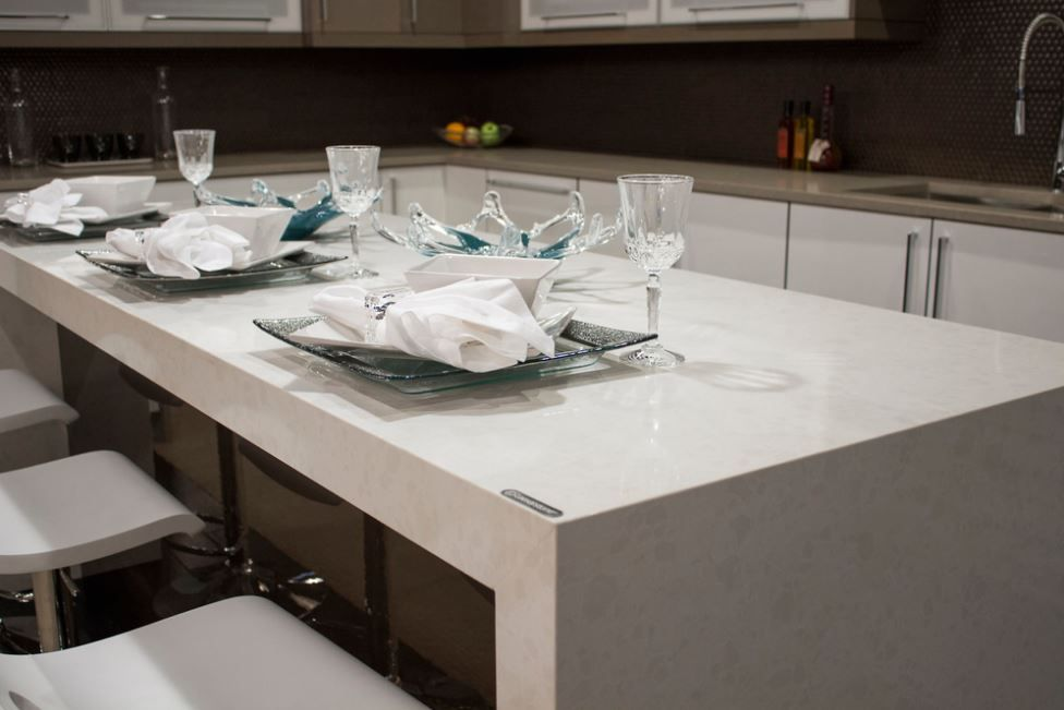#Quartz Stands Up To Heat To A Certain Point But Prolonged Exposure Can  Cause Permanent