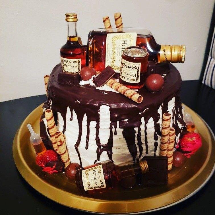 Hennessy cake with chocolates Hennessy cake, Cake