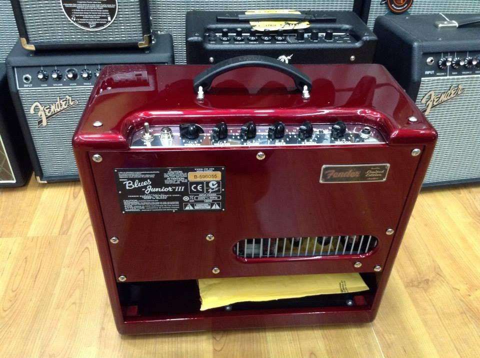 FENDER FSR BLUES JUNIOR III RUBY RED SPARKLE Amplificador de