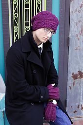 Men's fingerless gloves can be to girly or to simple. But these have an excellent texture. Guys will love them.