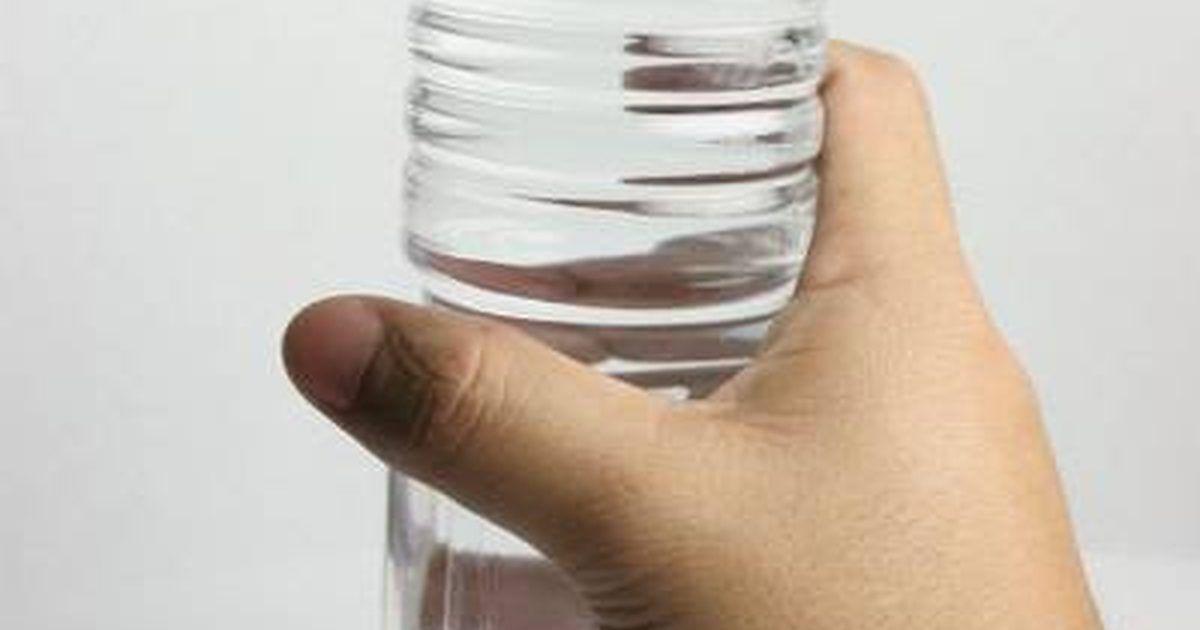 Agua Destilada Vs Agua Mineral Con Imagenes Agua Destilada