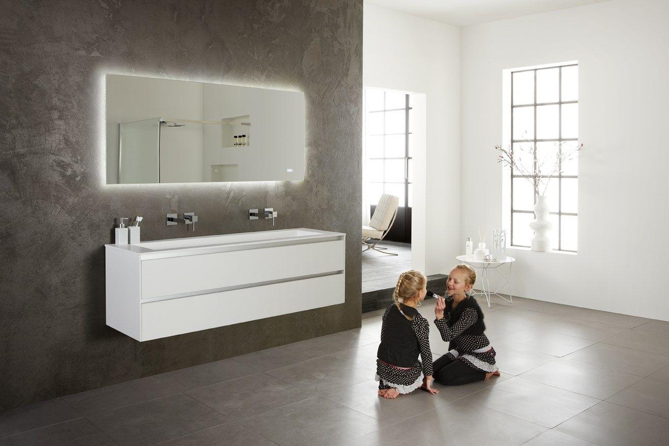 prachtig greeploos badkamermeubel van 160cm breed wastafel van
