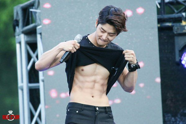Who S The Kpop Male Idol With The Best Abs Updated Pentagon Hongseok Pentagon Abs