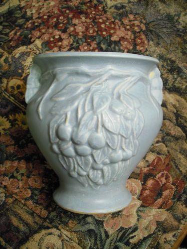 1920 S 30 S Nelson Mccoy Blue Cherries Berries Leaves Planter Vase Jardiniere Ebay Pottery