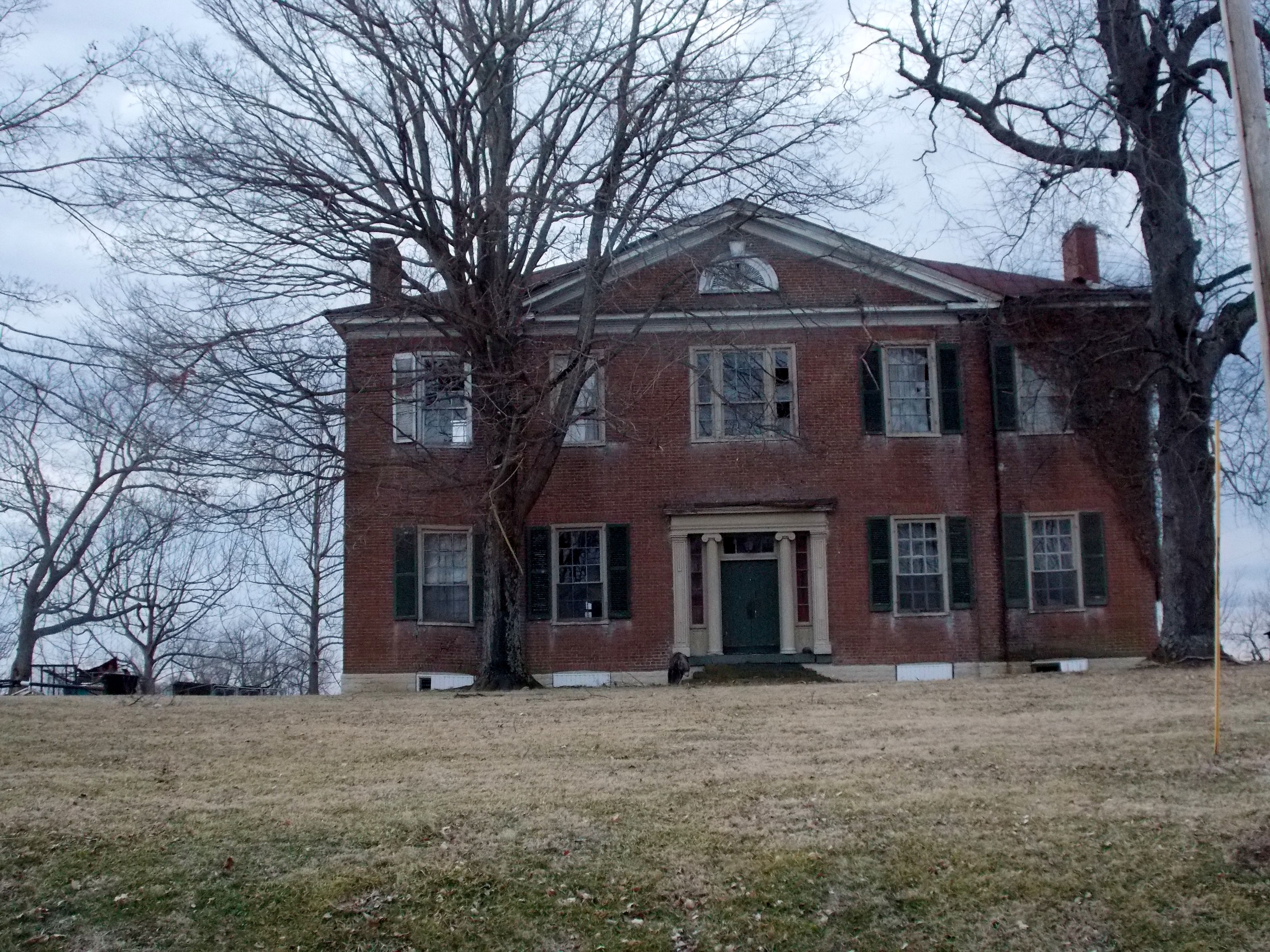 Creepy mansion off of Hwy Garrard County