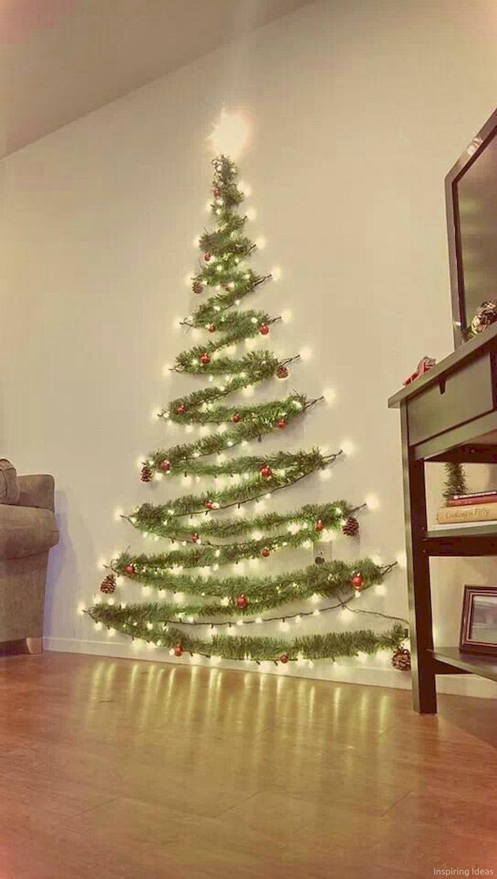 Awesome 125 Extra Cozy Apartment Decorating Ideas Https Roomaniac Com 125 Extra Cozy Apa Wall Christmas Tree Easy Christmas Decorations Christmas Decorations